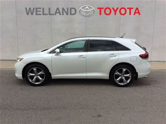 2013 toyota venza xle white welland toyota. Black Bedroom Furniture Sets. Home Design Ideas