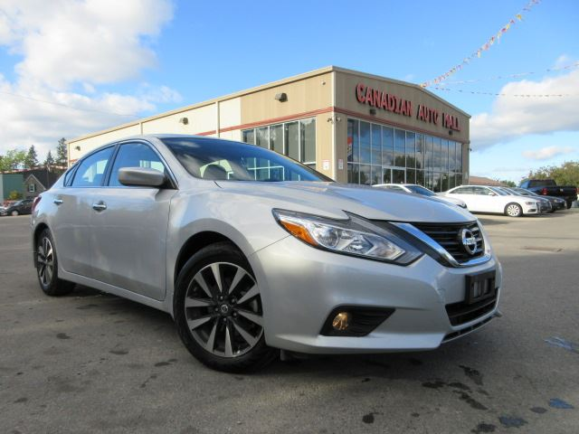 2016 nissan altima 2 5 sv roof alloys bt htd seats 17k silver canadian auto mall. Black Bedroom Furniture Sets. Home Design Ideas