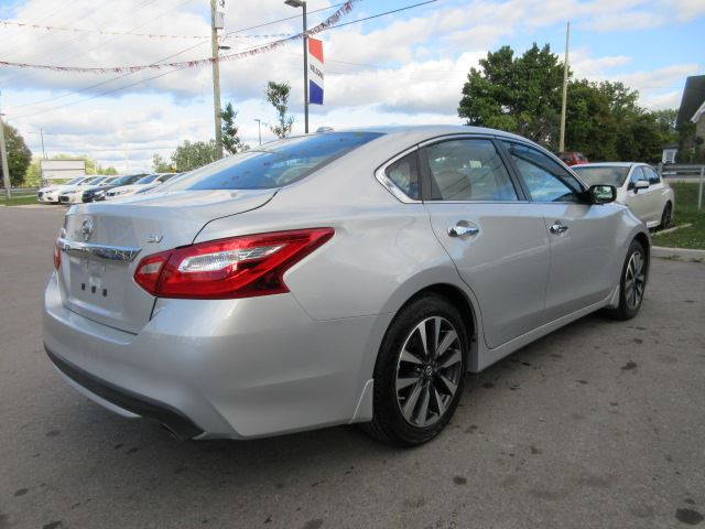 2016 nissan altima 2 5 sv roof alloys bt htd seats 17k stittsville ontario used car. Black Bedroom Furniture Sets. Home Design Ideas