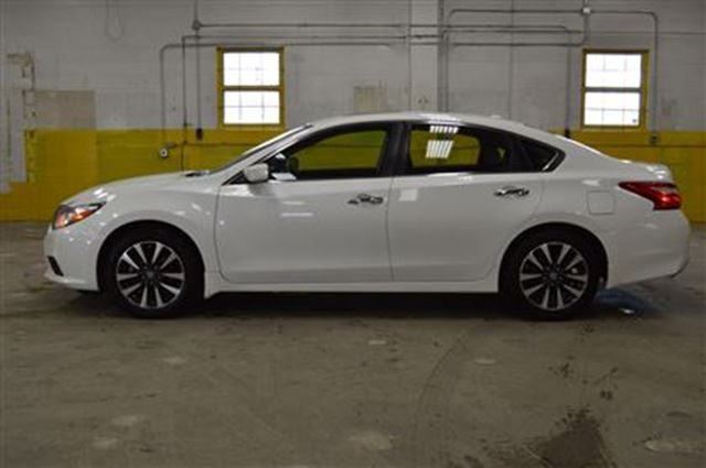 2016 nissan altima 2 5 sv sunroof b up camera ottawa ontario car for sale 2588251. Black Bedroom Furniture Sets. Home Design Ideas