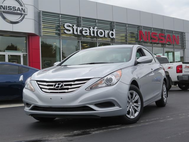 2012 hyundai sonata gl silver stratford nissan. Black Bedroom Furniture Sets. Home Design Ideas