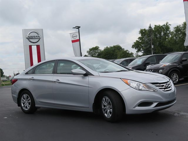 2012 hyundai sonata gl stratford ontario used car for sale 2588748. Black Bedroom Furniture Sets. Home Design Ideas