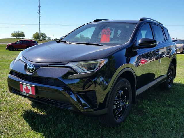 2017 toyota rav4 le lindsay ontario new car for sale 2588714. Black Bedroom Furniture Sets. Home Design Ideas