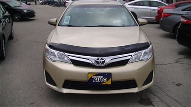 2012 toyota camry le milton ontario used car for sale 2589703. Black Bedroom Furniture Sets. Home Design Ideas