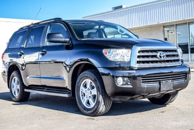 2013 toyota sequoia sr5 4x4 8 seater sunroof backup cam leather pwr seat keyless entry 18alloy. Black Bedroom Furniture Sets. Home Design Ideas