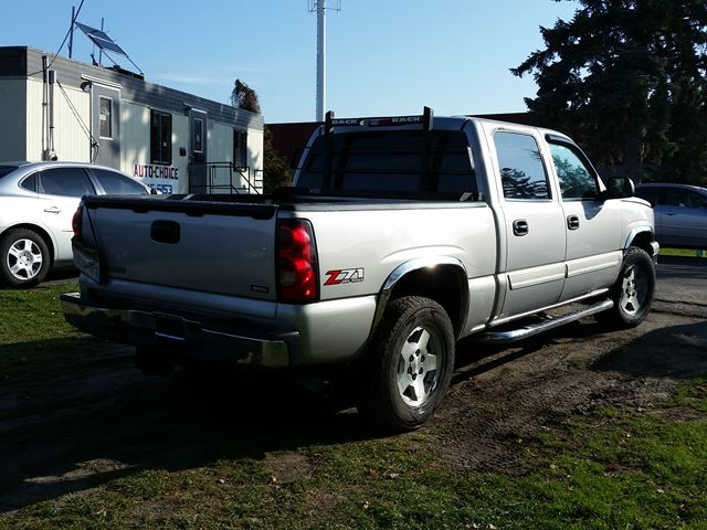 2006 chevrolet silverado 1500 ls 4x4 ottawa ontario. Black Bedroom Furniture Sets. Home Design Ideas