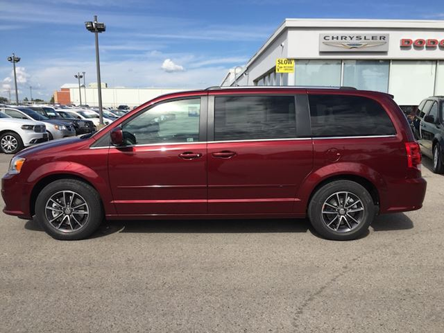 2017 dodge grand caravan sxt premium plus st thomas ontario used car for sale 2594775. Black Bedroom Furniture Sets. Home Design Ideas