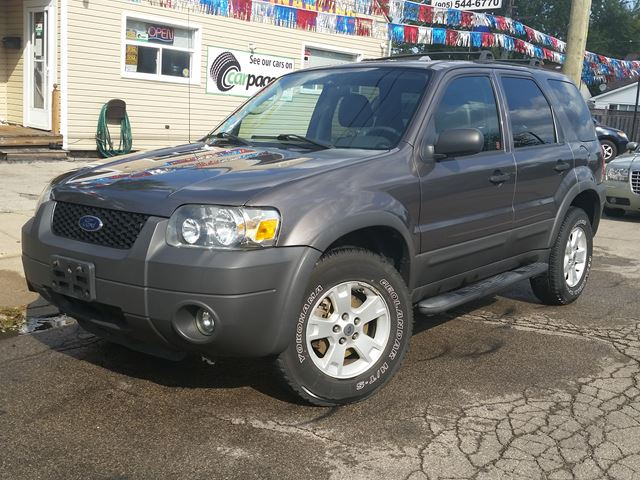 2006 FORD Escape XLT 4WD in Hamilton, Ontario