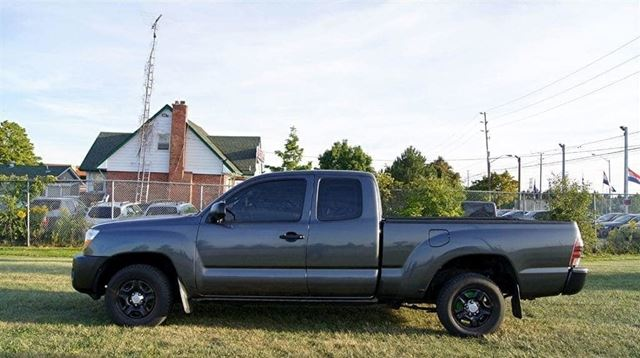 2010 TOYOTA TACOMA 4 CYLINDER ACCESS CAB 2WD in Woodbridge, Ontario