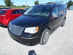 2008 Chrysler Town and Country LMT in Innisfil, Ontario