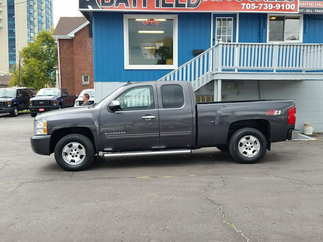 2010 chevrolet silverado 1500 lt ext cab z71 4x4 bluetooth alloys barrie ontario used car. Black Bedroom Furniture Sets. Home Design Ideas