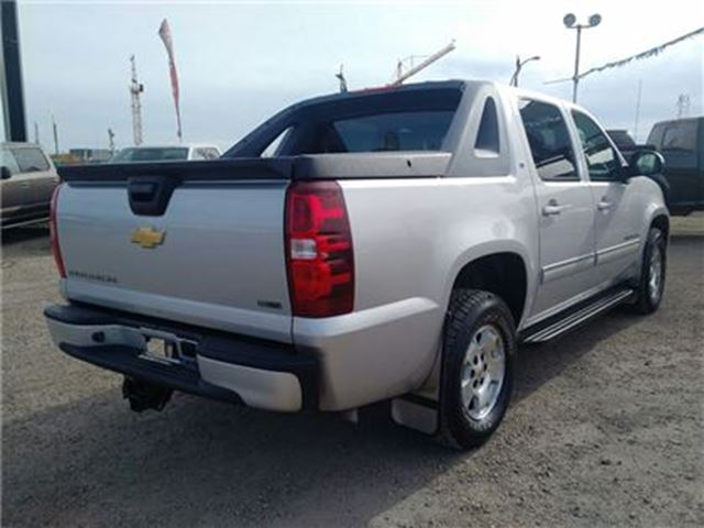 2010 chevrolet avalanche 1500 lt 4x4 tonneau cover edmonton alberta car for sale 2596775. Black Bedroom Furniture Sets. Home Design Ideas