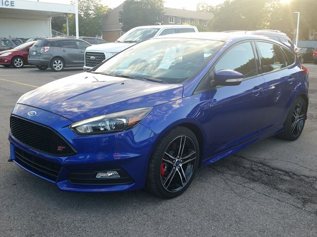 2015 ford focus st hamilton ontario car for sale 2600329. Black Bedroom Furniture Sets. Home Design Ideas