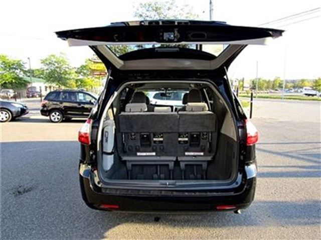 2016 toyota sienna le 8 passenger power sliding doors ottawa ontario used car for sale. Black Bedroom Furniture Sets. Home Design Ideas