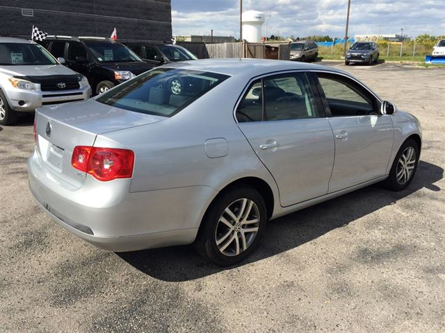 2006 volkswagen jetta 2 5 body in great shape scarborough ontario used car for sale. Black Bedroom Furniture Sets. Home Design Ideas