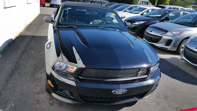 2012 ford mustang v6 premium richmond ontario used car for sale 2601662. Black Bedroom Furniture Sets. Home Design Ideas
