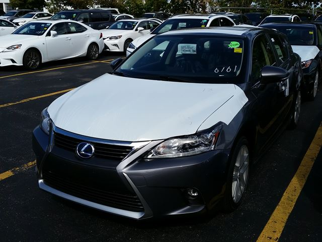 2017 Lexus CT 200h Executive Package in Mississauga, Ontario