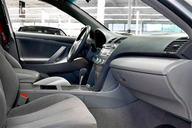2009 toyota camry le power windows aux input toronto ontario used car for. Black Bedroom Furniture Sets. Home Design Ideas