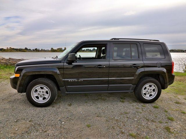 2015 jeep patriot north 4x4 power group keyless entry no accidents free lifetime engine. Black Bedroom Furniture Sets. Home Design Ideas