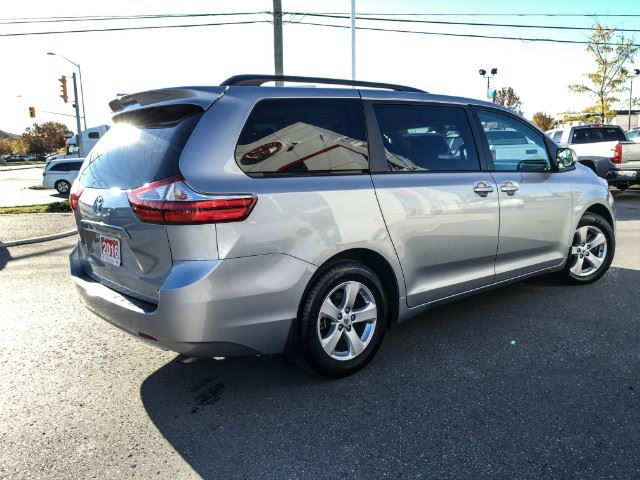 2016 toyota sienna le v6 8 passenger silver sky metallic vandermeer toyota cobourg. Black Bedroom Furniture Sets. Home Design Ideas