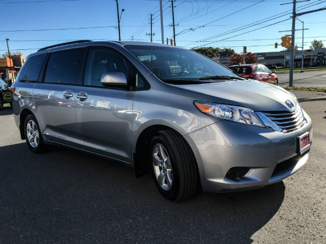 2016 toyota sienna le v6 8 passenger cobourg ontario used car for sale 2606512. Black Bedroom Furniture Sets. Home Design Ideas