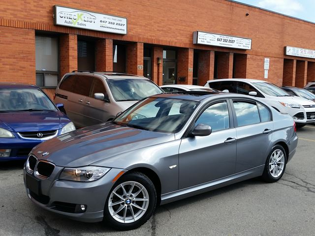 2011 bmw 3 series 323i grey check list auto sales. Black Bedroom Furniture Sets. Home Design Ideas