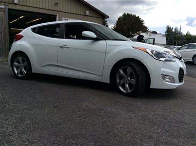2013 hyundai veloster ottawa ontario used car for sale 2607563. Black Bedroom Furniture Sets. Home Design Ideas