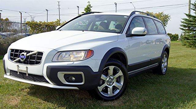 2009 VOLVO XC70 3.2 L * AWD * LEATHER * FINANCE AVAILABLE in Woodbridge, Ontario