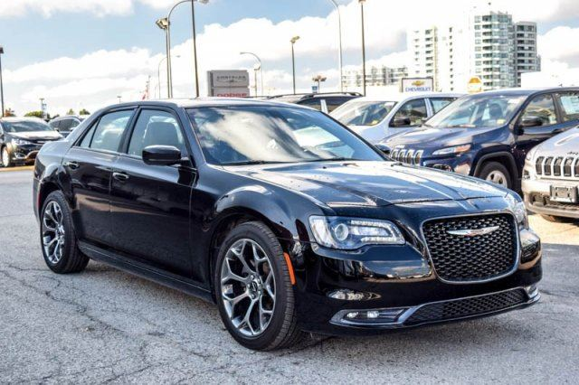 2016 chrysler 300 300s panosunroof htd front seats nav rearcam beats audio 20alloys thornhill. Black Bedroom Furniture Sets. Home Design Ideas
