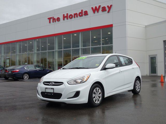 2015 HYUNDAI ACCENT GL- LIKE NEW! in Abbotsford, British Columbia