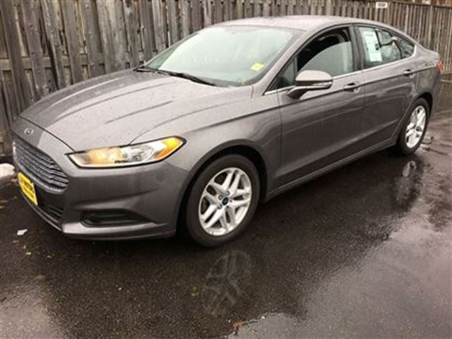 2014 Ford Fusion SE Automatic Steering Wheel Controls
