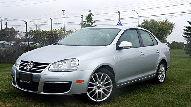 2008 VOLKSWAGEN JETTA WOLFSBURG * 2.0 T * LEATHER * SUNROOF in Woodbridge, Ontario