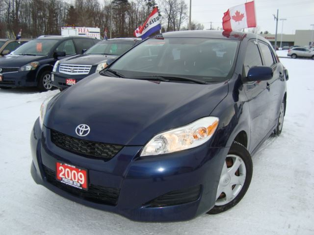 2009 toyota matrix xr only 148km gas saver cambridge ontario used car for sale 2611212. Black Bedroom Furniture Sets. Home Design Ideas