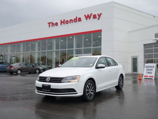 2015 VOLKSWAGEN JETTA 1.8 TSI - LIKE NEW in Abbotsford, British Columbia