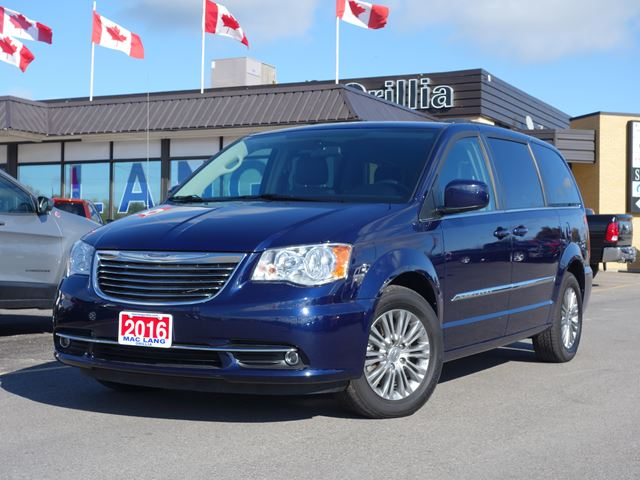 2016 chrysler town and country touring l orillia ontario used car for sale 2613432. Black Bedroom Furniture Sets. Home Design Ideas