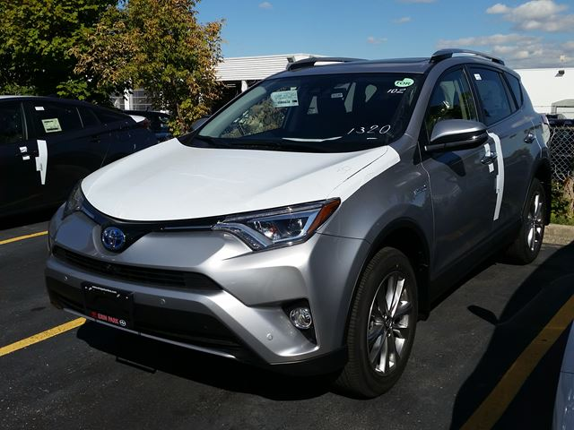 2017 toyota rav4 hybrid limited silver for 43620 in mississauga. Black Bedroom Furniture Sets. Home Design Ideas
