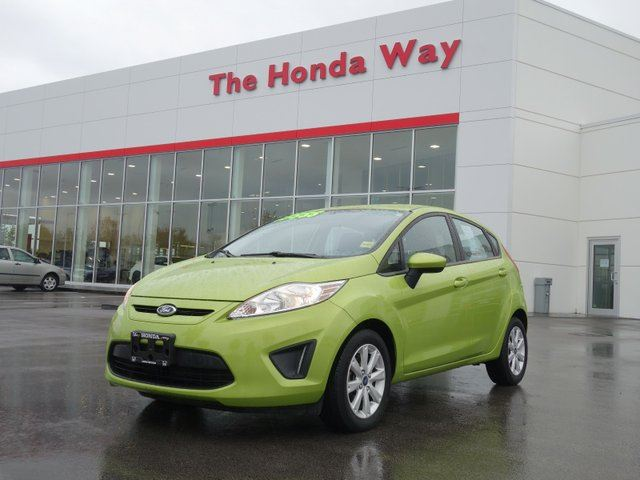 2013 FORD Fiesta SE Hatchback - LIKE NEW!! in Abbotsford, British Columbia
