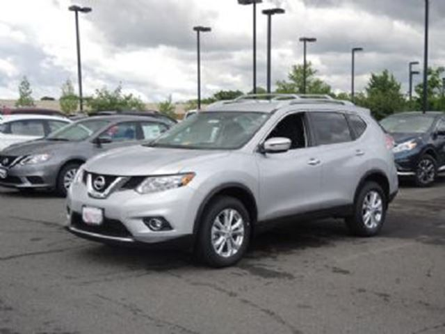 2016 nissan rogue sv awd mississauga ontario used car for sale 2616149. Black Bedroom Furniture Sets. Home Design Ideas
