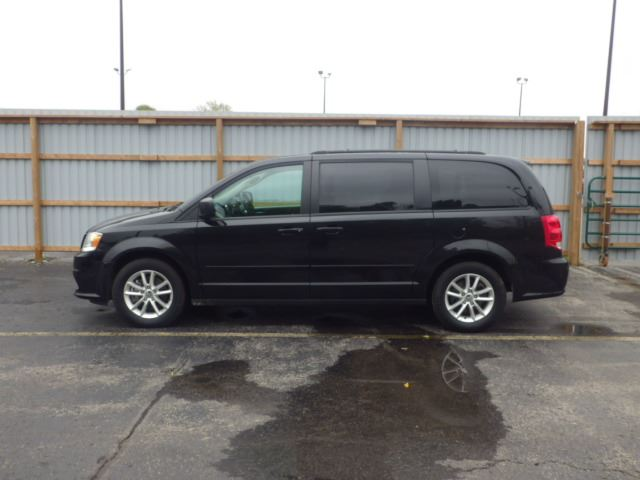 2016 dodge grand caravan sxt black haldimand motors. Black Bedroom Furniture Sets. Home Design Ideas