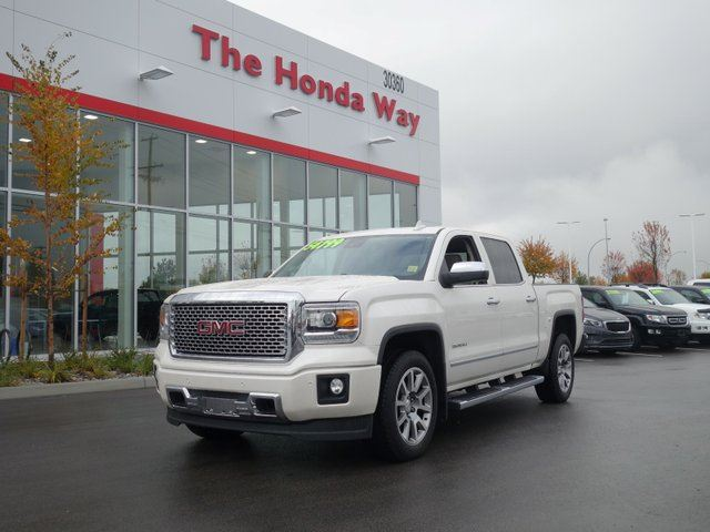 2015 GMC SIERRA 1500 DENALI - Like New!! in Abbotsford, British Columbia