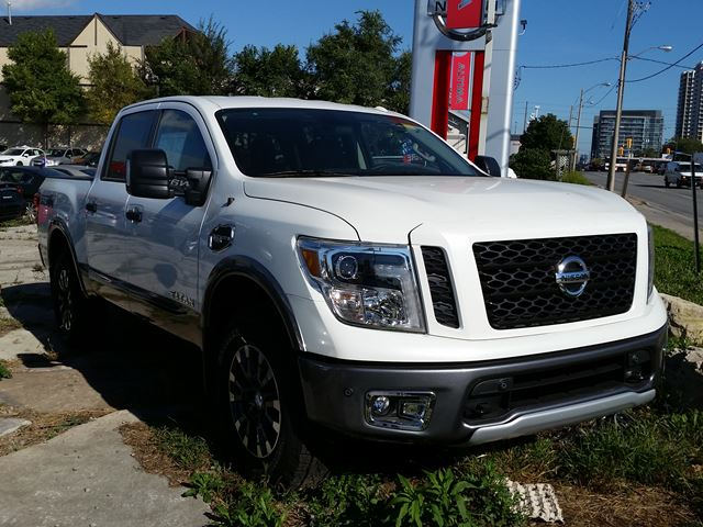 2017 nissan titan pro 4x toronto ontario new car for sale 2617219. Black Bedroom Furniture Sets. Home Design Ideas