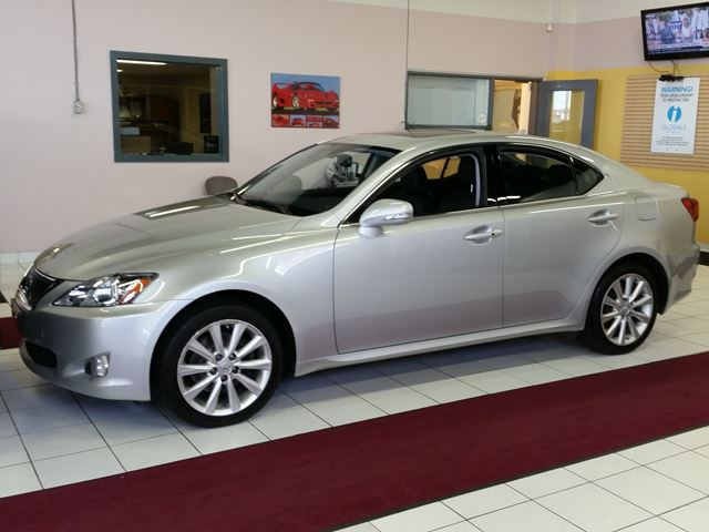2009 lexus is 250 rexdale ontario used car for sale 2617253. Black Bedroom Furniture Sets. Home Design Ideas