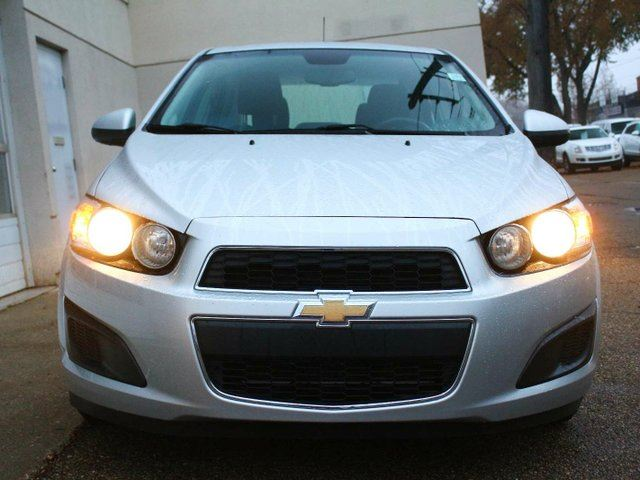 2015 chevrolet sonic lt auto great options finance. Black Bedroom Furniture Sets. Home Design Ideas