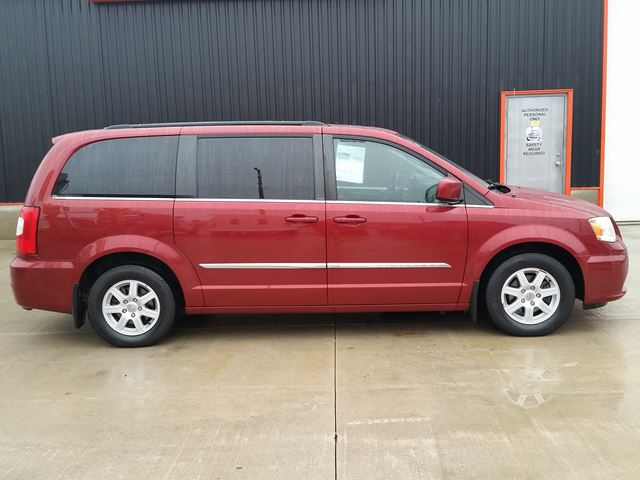2011 chrysler town and country touring w dual dvd nav jarvis ontario used car for sale. Black Bedroom Furniture Sets. Home Design Ideas