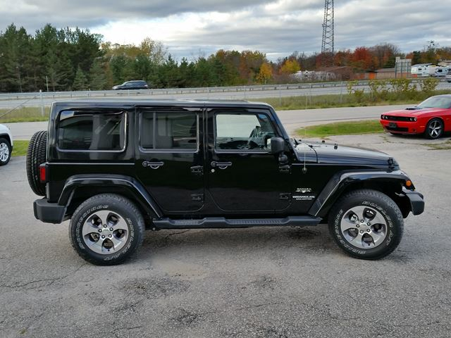 2016 jeep wrangler unlimited sahara 4x4 orillia ontario used car for sale 2622616. Black Bedroom Furniture Sets. Home Design Ideas