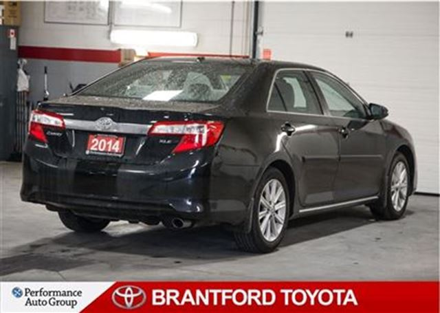2014 toyota camry xle navi leather sunroof 1 9 rate o a c brantford ontario used car for. Black Bedroom Furniture Sets. Home Design Ideas