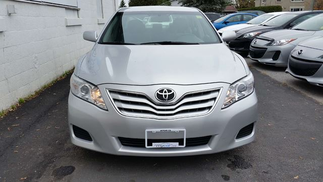 2010 toyota camry le richmond ontario used car for sale 2624249. Black Bedroom Furniture Sets. Home Design Ideas