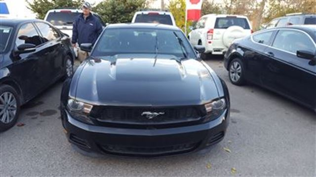 2012 Ford Mustang - in Newmarket, Ontario