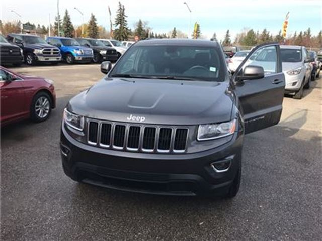 2015 jeep grand cherokee laredo edmonton alberta used car for sale 2624537. Black Bedroom Furniture Sets. Home Design Ideas