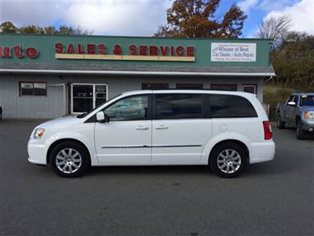 2015 chrysler town and country touring new glasgow nova scotia used car for sale 2624576. Black Bedroom Furniture Sets. Home Design Ideas